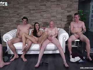 Mea Melone chooses which cock relating to bonk first on the casting couch