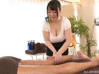 Busty Japanese MILF Mochida Yukari wants cum on her huge tits
