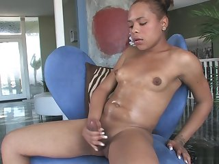 Naudy Nadia Starts In the matter of A infuse jerking!