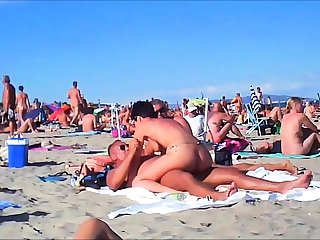Voyeur girl shorn on public lido