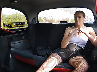 Minx gives chauffeur multiple orgasms