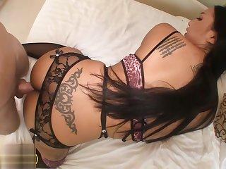 Big bends ladyboy hottie sucks dick and bareback anal