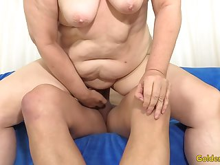 Granny Penny Sue Drilled by a Long Unearth