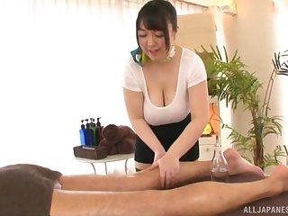 Busty Japanese MILF Mochida Yukari wants cum on her huge tits