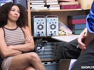 Sweet awaiting babe Nia Nixon is fucked added to punished for pinching