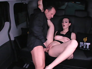 Ukranian girl fucks chef on a backseat