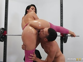 Workout at the gym makes Katana Kombat very horny