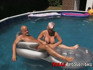 Canadian slut Bella Venusia takes part nearly crazy orgy by the poolside