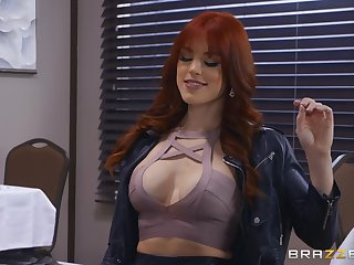not any one knows how to  touch shaved pussy of Evelin Stone as though Molly Stewart