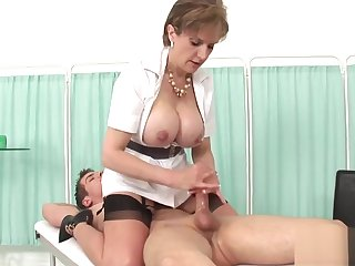 Adulterous uk milf lady sonia exposes her monster naturals