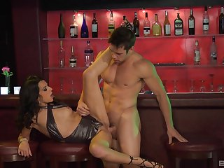 Shrunken whore fucked readily obtainable the club and jizzed well