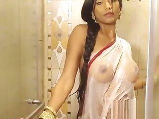 poonam pandey opens