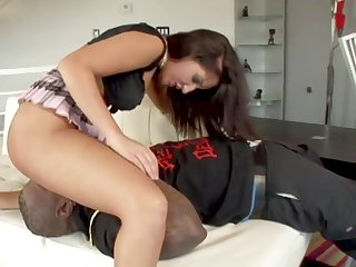 Worshiping Richelle Ryans Phat Ass Before Plowing The brush Pussy