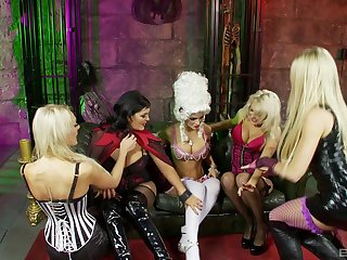 Lesbian milfs sharing oral passion in kinky calling play