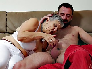 Bosomy granny Savannah makes reverence with younger dude