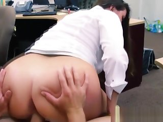 Gorgeous pawnee sucks increased by fucks brokers cock