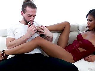 Outsider babe Nia Nacci Hard Core sex video