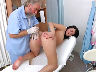 Rebecca gyno third degree in bimanual,ultrasound,speculum and clamber up heartbeat