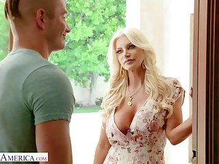 A cadger gets seduced and fucked by his friend's pulchritudinous MILF stepmom