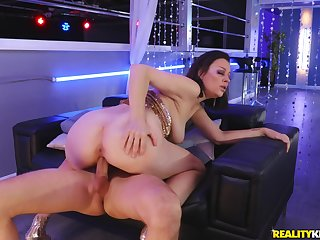 Milf rides chum around with annoy dick in a perfect session at one's disposal chum around with annoy weary