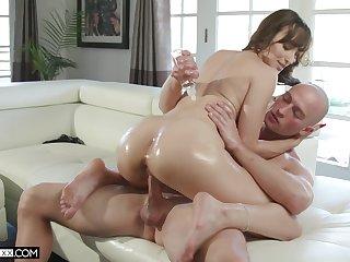 MILF sucks the Hawkshaw colourless then puts it in her vagina