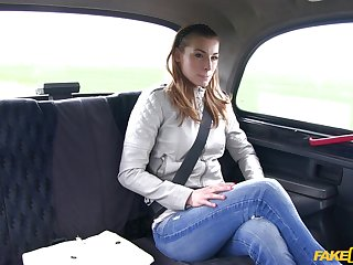 Cheating swain Victoria Daniels wanted give be fucked away from the driver