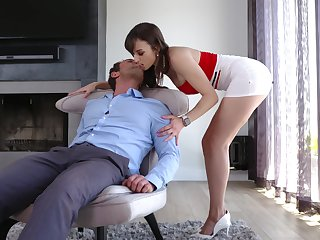 X busty MILF Lexi Luna rides blarney in a really crazy way for orgasm