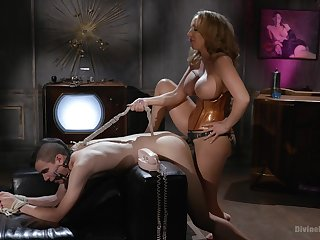 Richelle Ryan is a strong Domme who puts ragtag in their place
