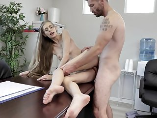 Skinny secretary feels make an issue of heat in naughty hard sex scenes on make an issue of desk