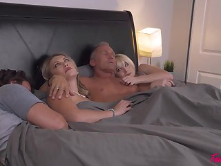 No one decidedly knows how two couples ended up fucking in the same abut on added to swapping partners