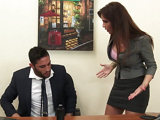 Sexy milf bigwig Syren De Mer exploits employee be useful to dick hd
