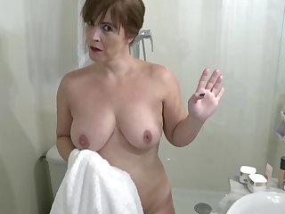 Voluptuous stepmom with a juicy Davy Jones's locker gets fucked unconnected with her stepson