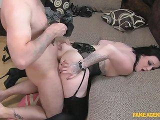 A Mouthful Of Cock For Rude Brunette