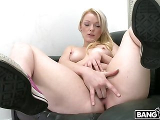 Brand far-out amateur hot girl steps in to get a huge facial