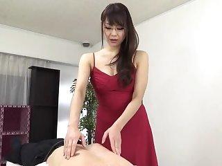 Sugar oriental mom Nanami Hirose is fingering her pussy