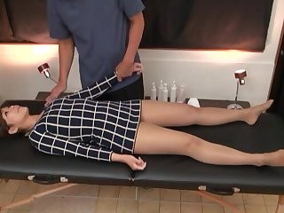 Asian bush-leaguer gets massaged and fingered by a horny masseur