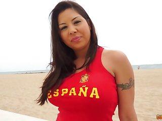 Espana hottie Candi Cox gives a boobjob and enjoys hardcore anal sex
