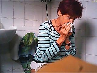 granny with big cunt piss loo
