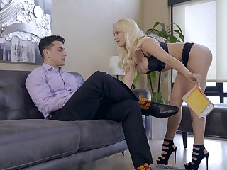Tow-headed Kylie Page with natural big tits gets drilled at the end of one's tether a big dick